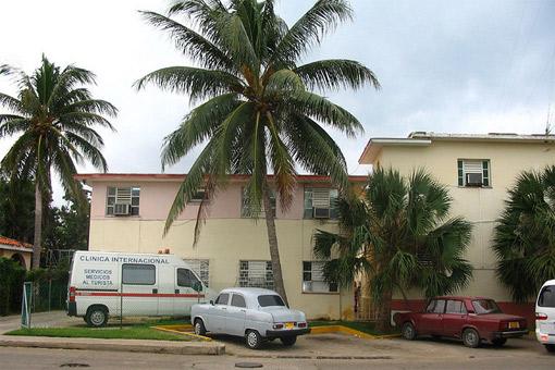 CubaAmbulance510_DomenicSca