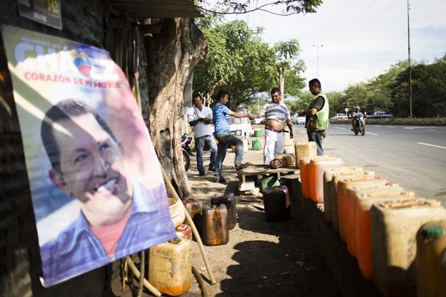 Pimpineros, gas smugglers, Colombia, Venezuela