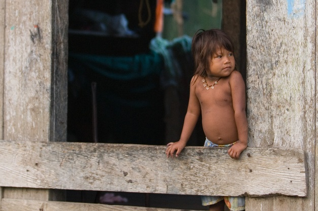 An internally displaced Embera child in Colombia