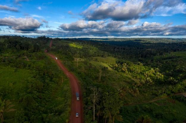 amazon_road_top